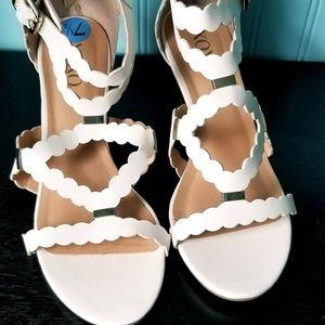 """NWOT. XOXO """"SCOTTIE"""" white sandal with wedge heel."""
